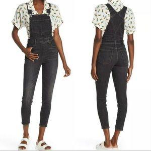 Levi's Premium skinny denim overalls black Sz 25